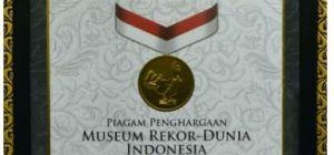 Rekor Dunia Indonesia atas penghargaan oleh Menteri Perhubungan Republik Indonesia